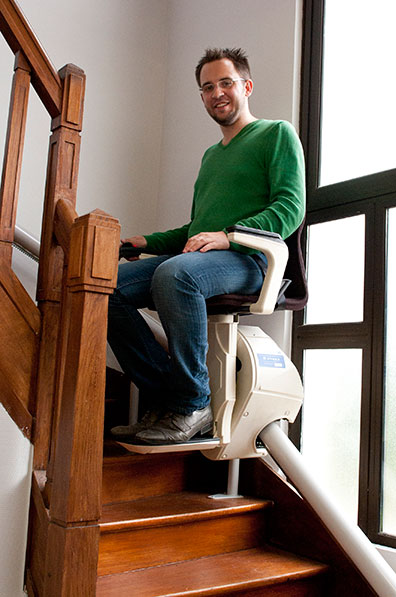 si ge monte escalier la maison bleue 41. Black Bedroom Furniture Sets. Home Design Ideas
